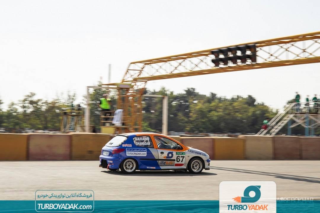توربو یدک در مسابقات اتومبیل رانی