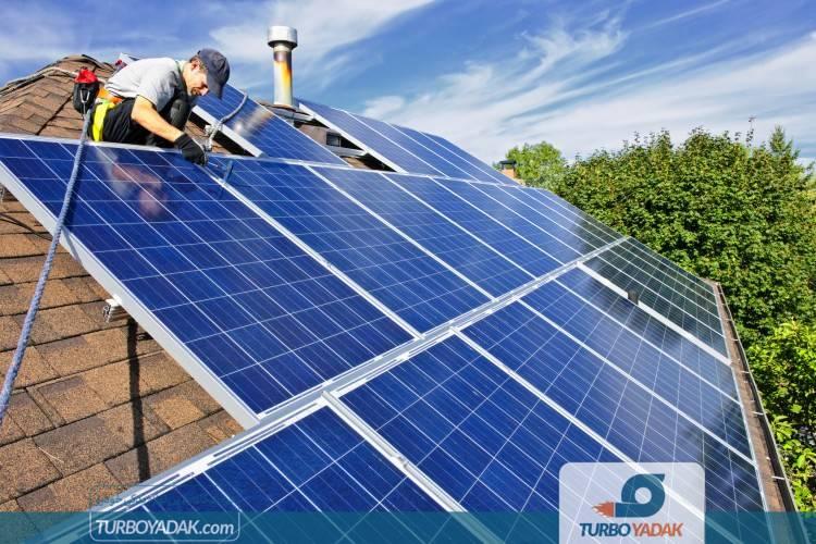 پنل های خورشیدی برای خانه رانندگان تسلا