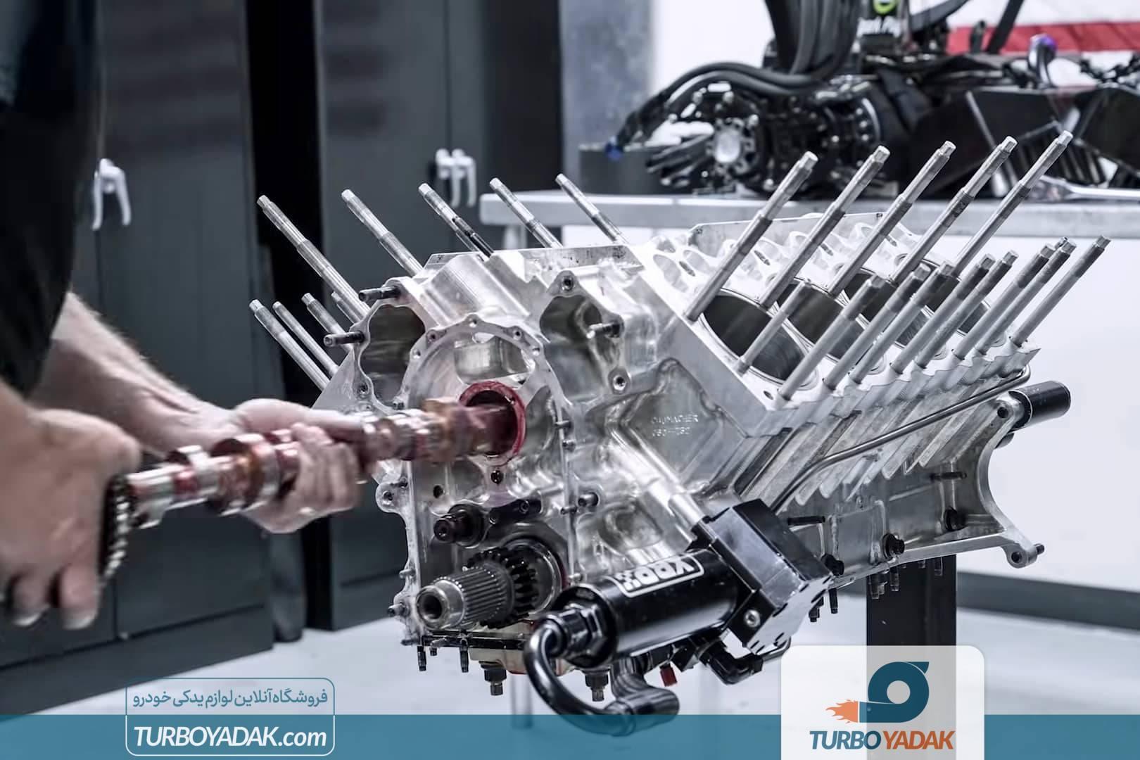 تعمیر و بازسازی موتور هشت سیلندر